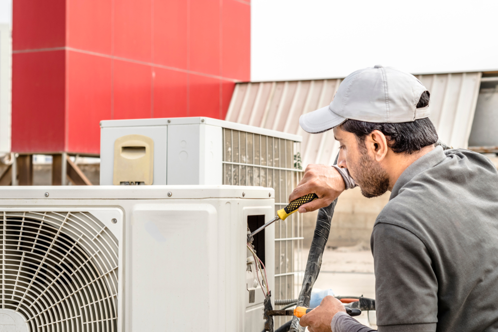 Things to ponder before you go on to avail professional AC services